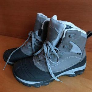 Merrell Thermo Chill Mid Shell waterproof boots